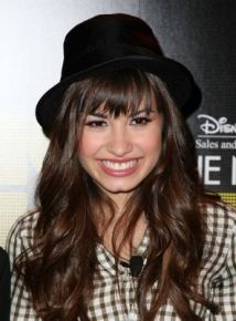 demi-lovato-in-black-hat